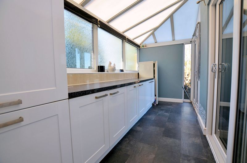 3 bed house for sale in Harvington Road  - Property Image 5