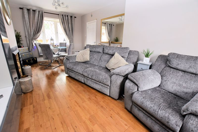 3 bed house for sale in Harvington Road  - Property Image 6