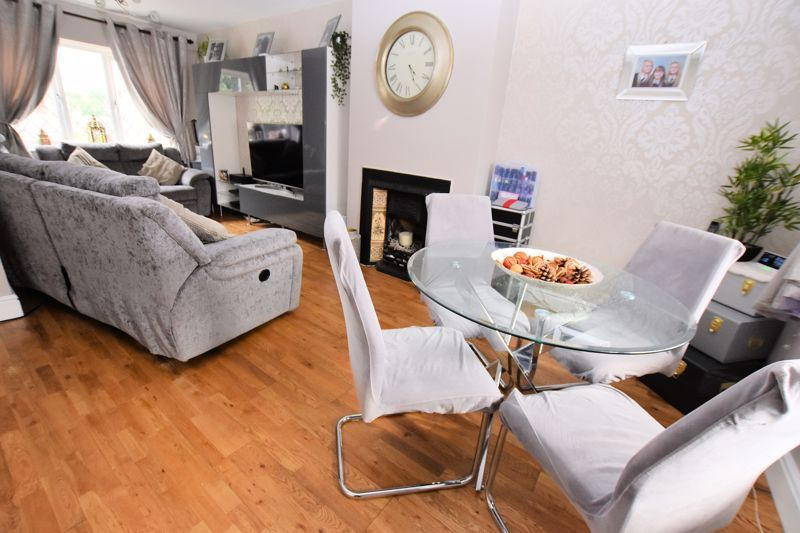 3 bed house for sale in Harvington Road  - Property Image 7