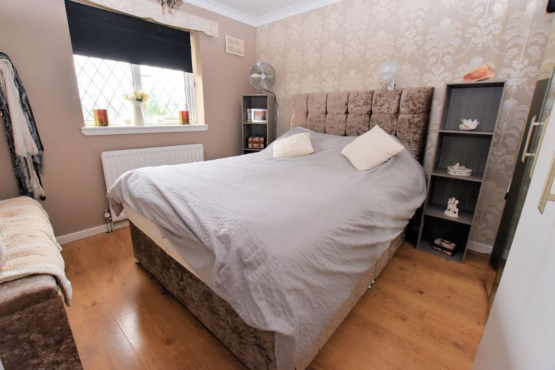 3 bed house for sale in Harvington Road  - Property Image 8