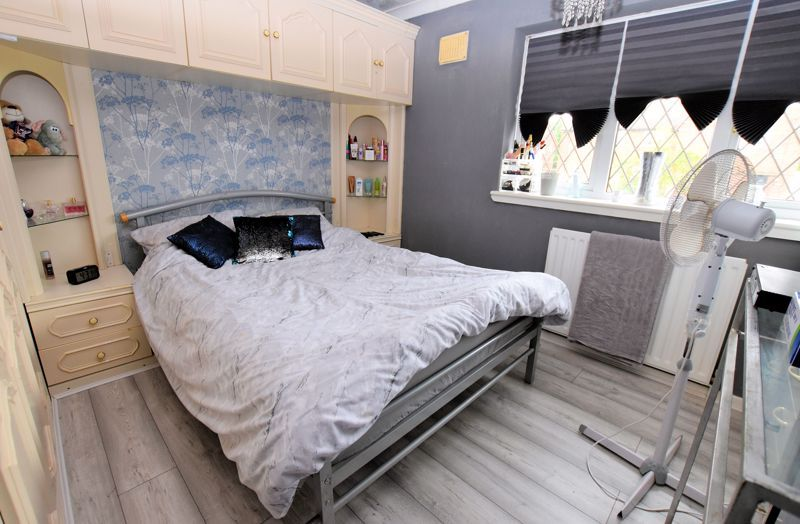 3 bed house for sale in Harvington Road  - Property Image 9