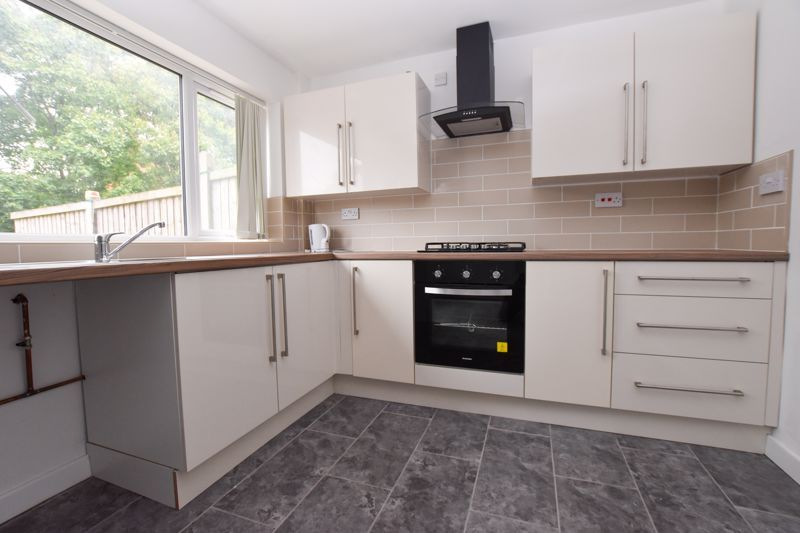 3 bed house to rent in Gorsly Piece  - Property Image 2