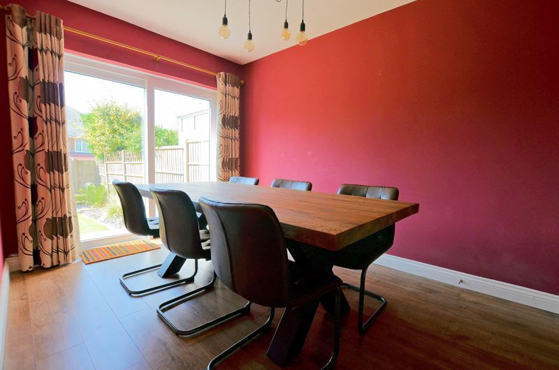 3 bed house for sale in Goodwyn Avenue 11