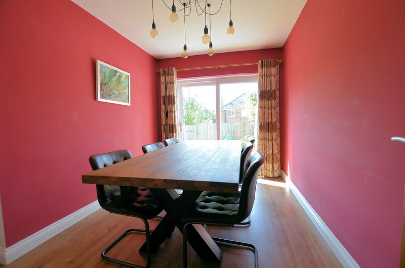 3 bed house for sale in Goodwyn Avenue  - Property Image 12