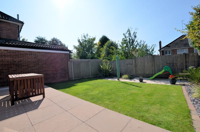 3 bed house for sale in Goodwyn Avenue  - Property Image 13