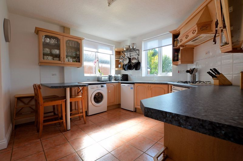3 bed house for sale in Goodwyn Avenue 3