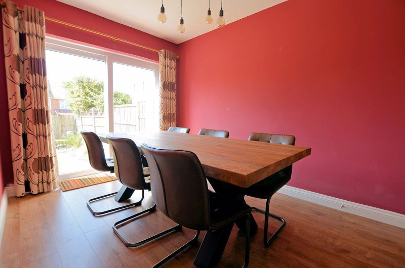 3 bed house for sale in Goodwyn Avenue  - Property Image 4