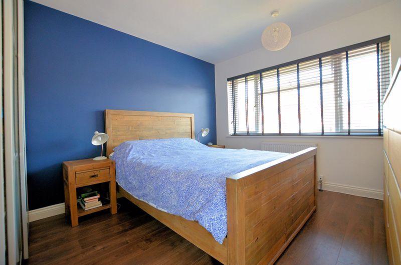 3 bed house for sale in Goodwyn Avenue 5