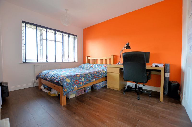 3 bed house for sale in Goodwyn Avenue  - Property Image 7