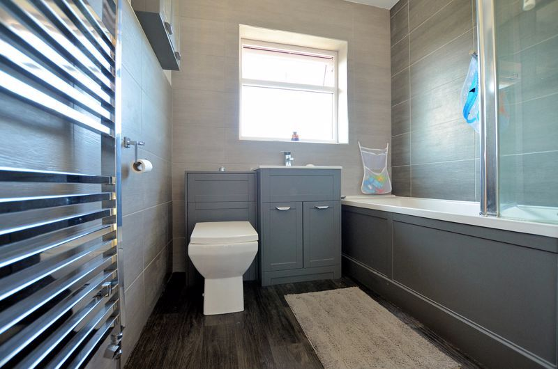 3 bed house for sale in Goodwyn Avenue  - Property Image 8