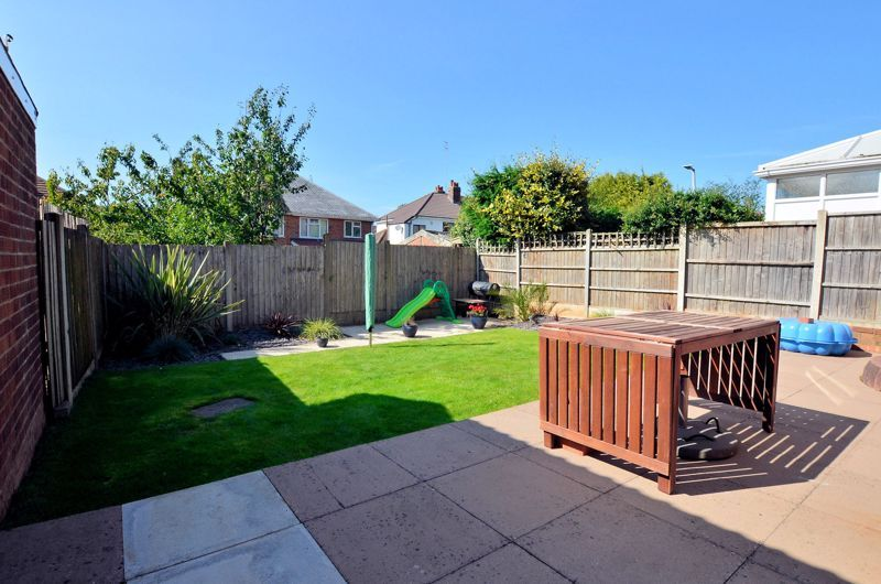 3 bed house for sale in Goodwyn Avenue  - Property Image 9