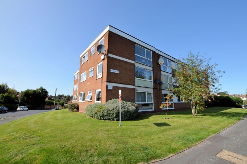 2 bed flat for sale in Perry Hill Road  - Property Image 1