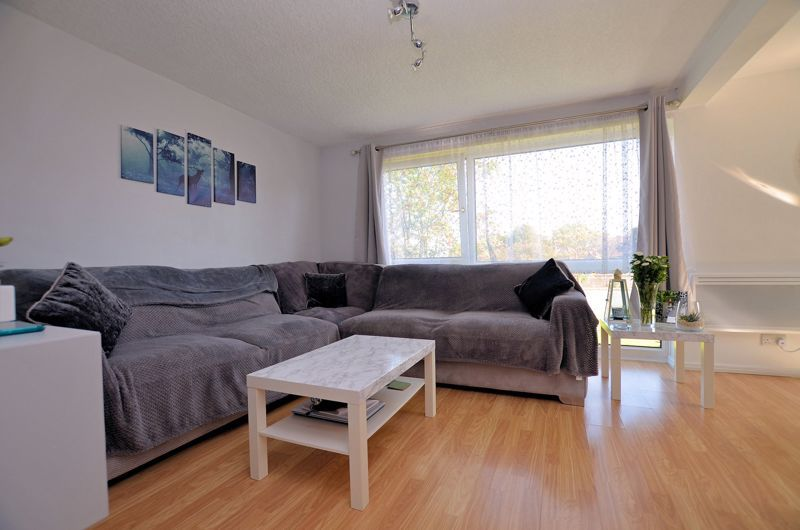 2 bed flat for sale in Perry Hill Road  - Property Image 2