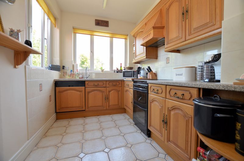 3 bed house for sale in Wolverhampton Road 16