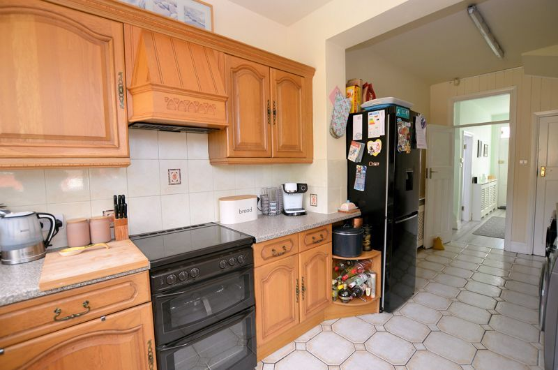 3 bed house for sale in Wolverhampton Road  - Property Image 4