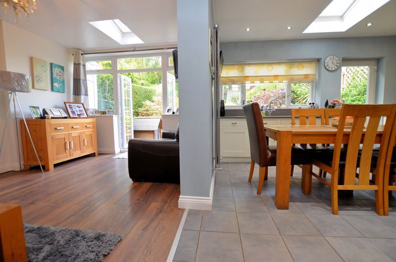4 bed house for sale in Oak Road 12