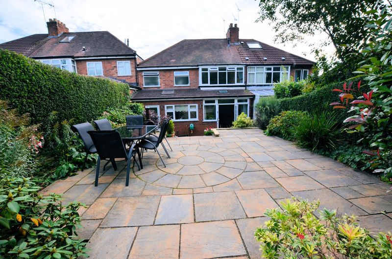4 bed house for sale in Oak Road 18
