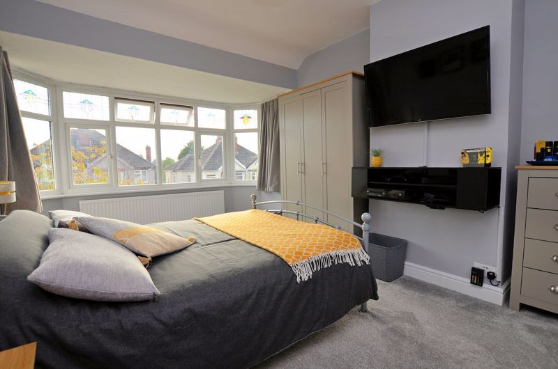 4 bed house for sale in Oak Road  - Property Image 6