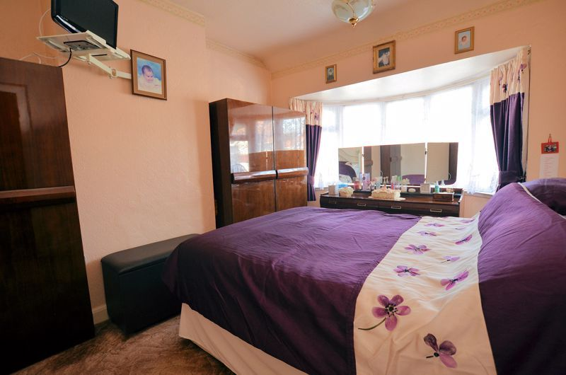 3 bed house for sale in Barnford Crescent  - Property Image 6