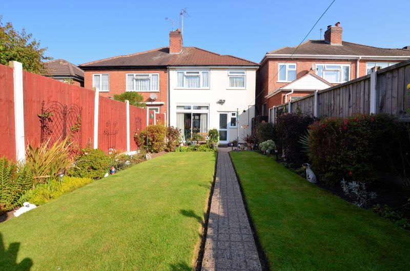 3 bed house for sale in Barnford Crescent 9