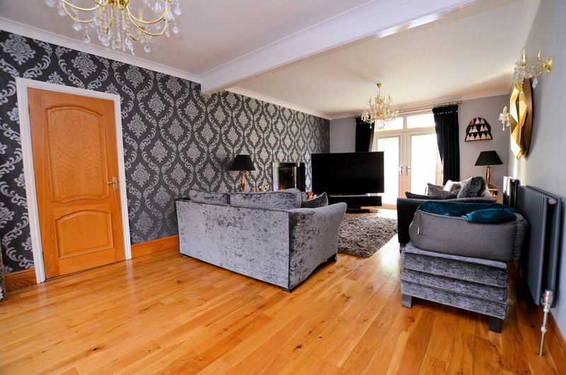5 bed house for sale in Brandhall Road  - Property Image 2