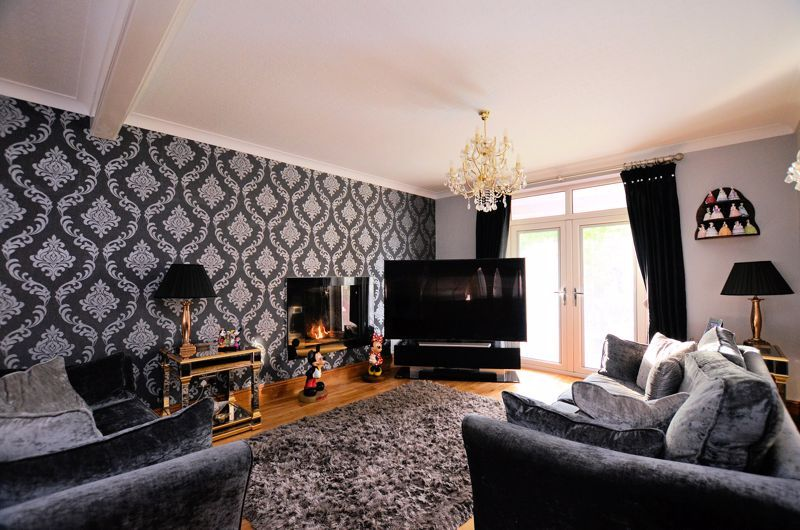 5 bed house for sale in Brandhall Road 12