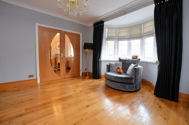 5 bed house for sale in Brandhall Road  - Property Image 13