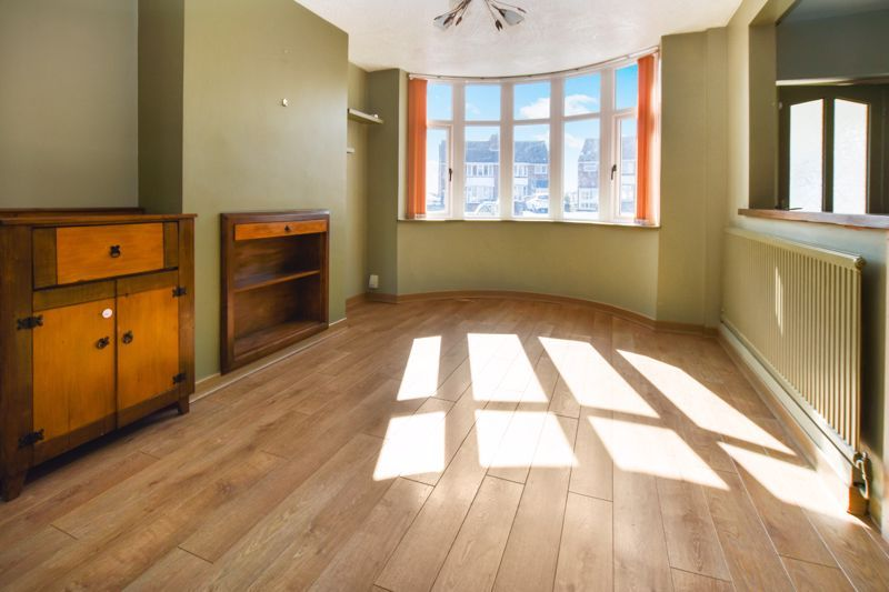 3 bed house to rent in Mayswood Grove  - Property Image 2