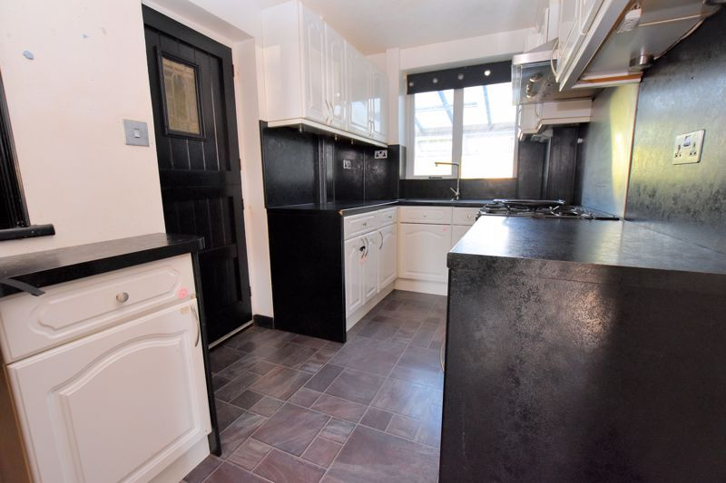 3 bed house to rent in Mayswood Grove 8