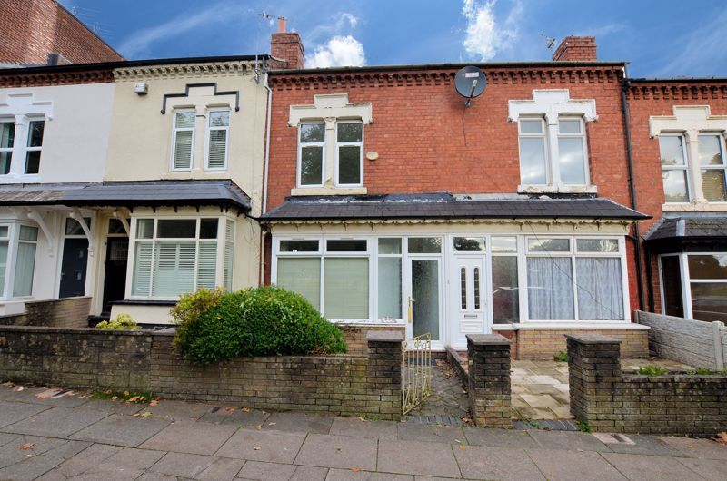 4 bed house for sale in Lightwoods Hill  - Property Image 1