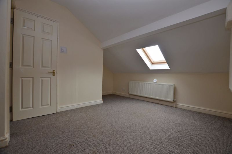 4 bed house for sale in Lightwoods Hill 11