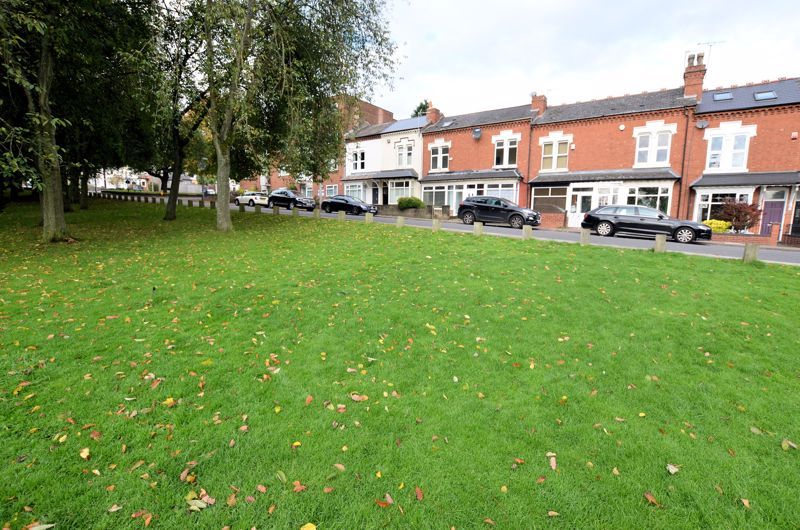 4 bed house for sale in Lightwoods Hill 15