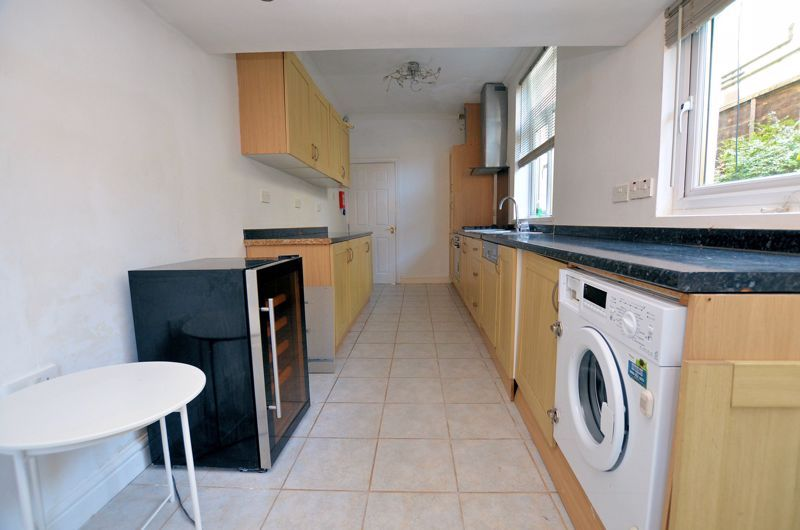 4 bed house for sale in Lightwoods Hill 18