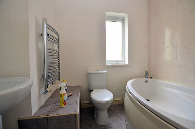 4 bed house for sale in Lightwoods Hill  - Property Image 4