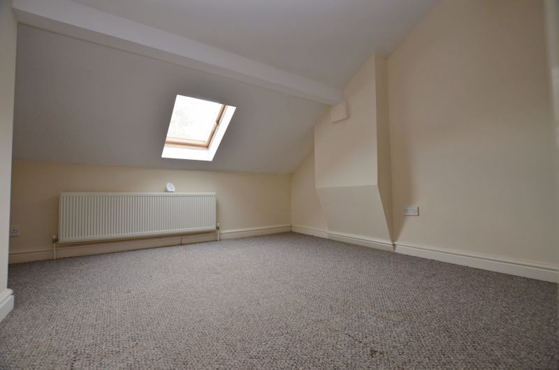 4 bed house for sale in Lightwoods Hill 6