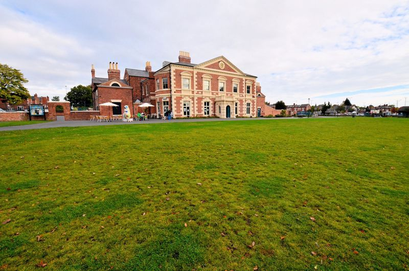 4 bed house for sale in Lightwoods Hill  - Property Image 10