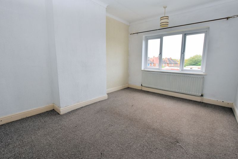 3 bed house for sale in White Road  - Property Image 11