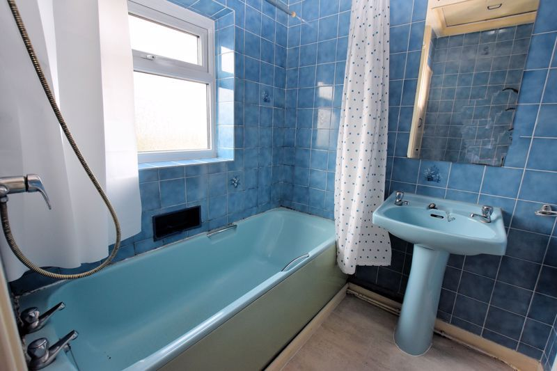 3 bed house for sale in White Road 13