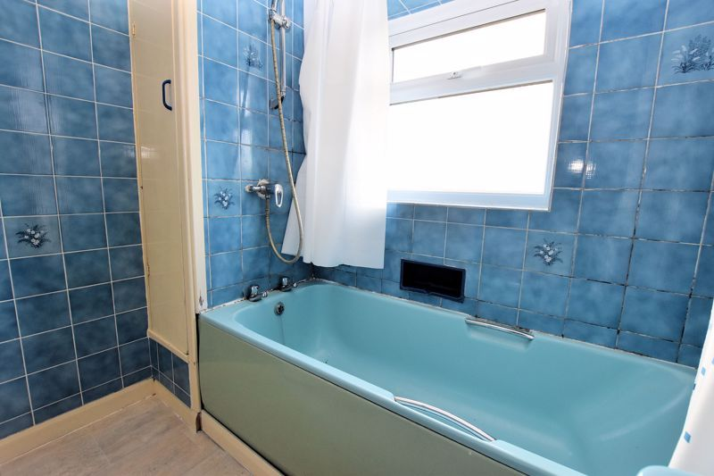 3 bed house for sale in White Road  - Property Image 14