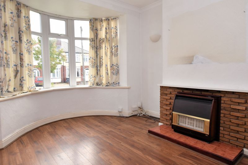 3 bed house for sale in White Road 5