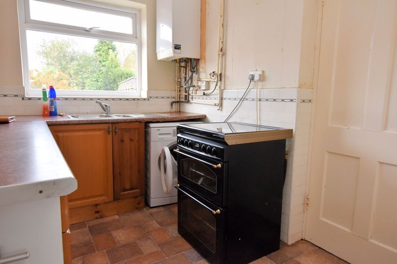 3 bed house for sale in White Road  - Property Image 6
