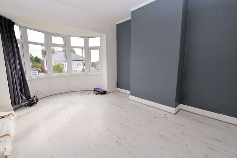 3 bed house for sale in White Road 10