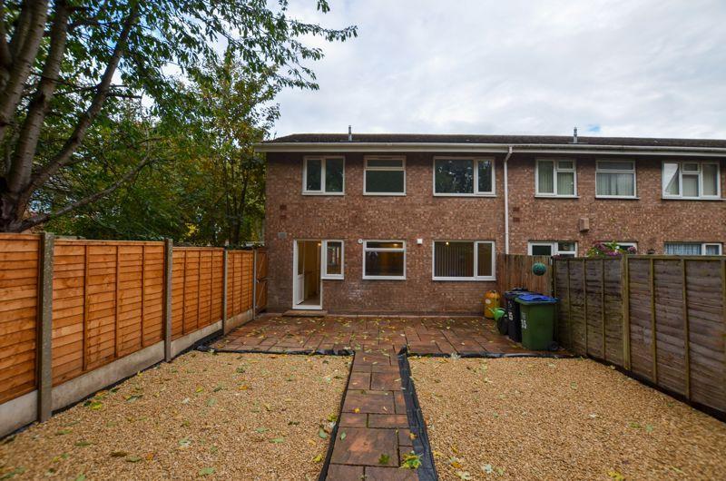 2 bed flat to rent in Oakthorpe Gardens 14