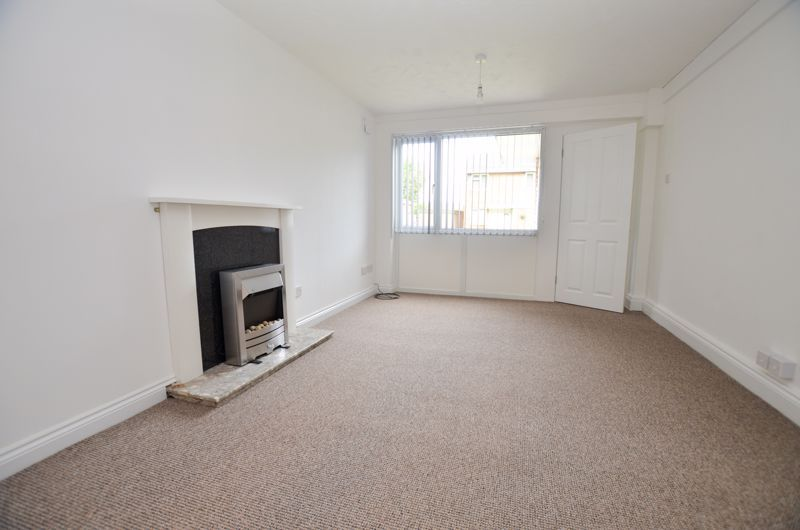 2 bed flat to rent in Oakthorpe Gardens  - Property Image 5