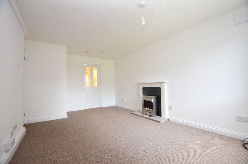 2 bed flat to rent in Oakthorpe Gardens 6