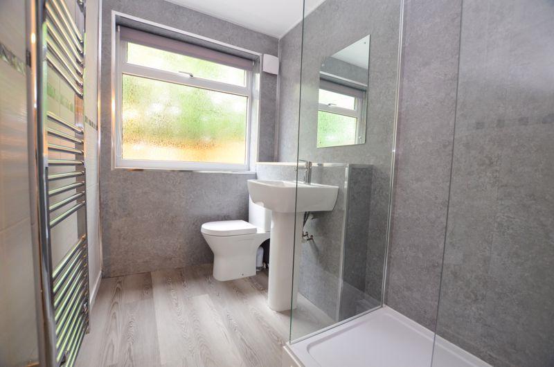 2 bed flat to rent in Oakthorpe Gardens 9