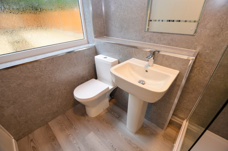 2 bed flat to rent in Oakthorpe Gardens 10