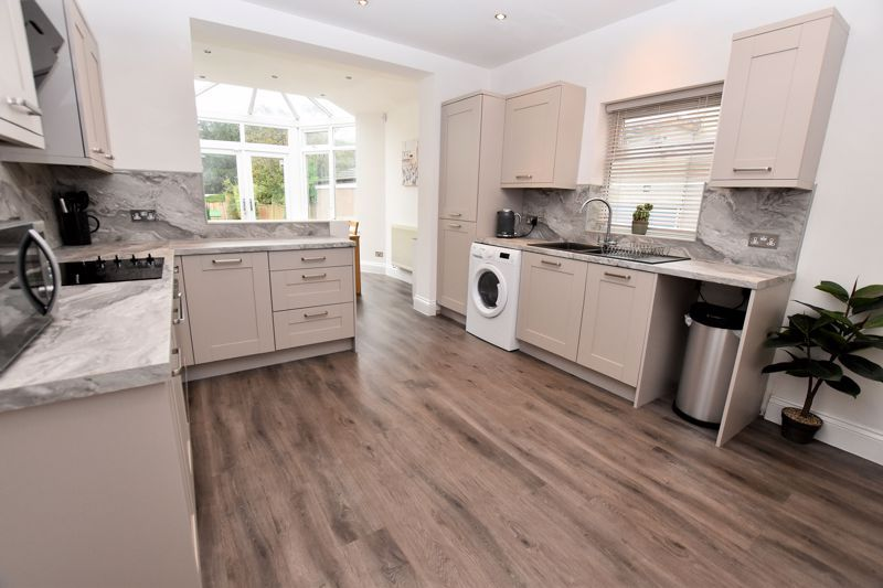 2 bed house for sale in High Street 6