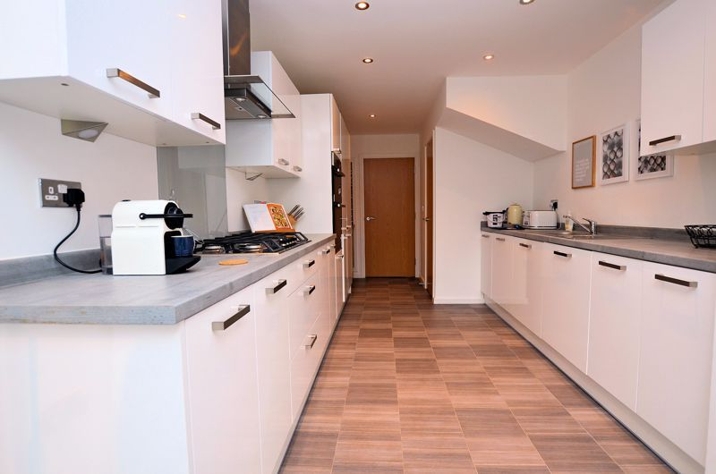 4 bed house for sale in Evered Close 12