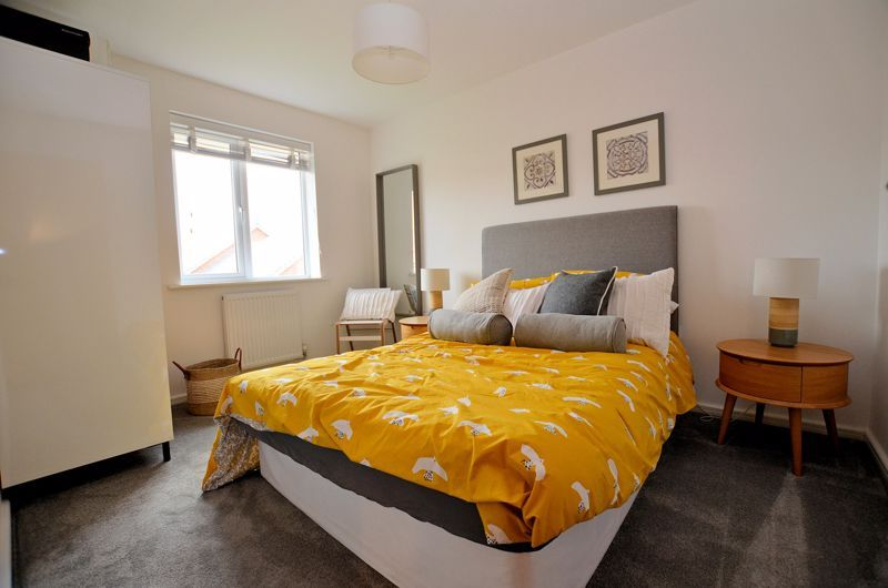 4 bed house for sale in Evered Close 15